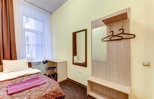 SuperHostel on Nevskiy 95, ECONOMY Single room - photo #1